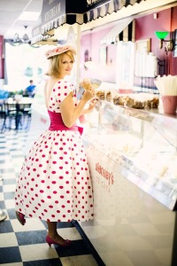 vintage-ice-cream-parlor-635256_960_720
